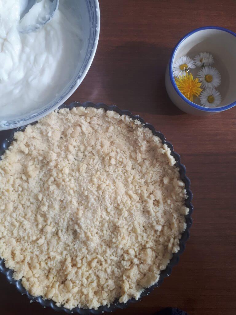 Base sbriciolata e crema